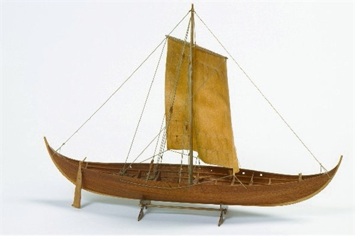 1:25 ROAR EGE -WOODEN HULL