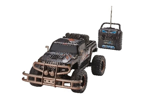 "MONSTER TRUCK ""BULL SCOUT"" 1:10"